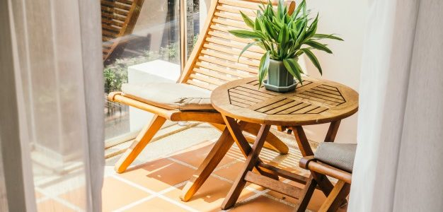 Consejos para cuidar el mobiliario exterior de madera